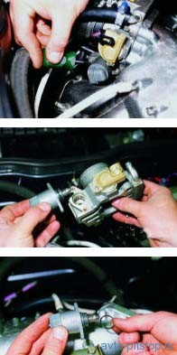Снятие регулятора холостого хода двигателей ВАЗ-2111