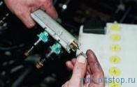 Проверка давления в топливной системе двигателей ВАЗ-2111, 2112