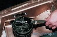 Снятие адсорбера двигателей ВАЗ-2111, 2112