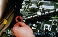 Снятие распределительного вала двигателей ВАЗ-2110, 2111