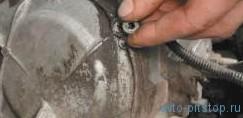Замена башмака натяжителя цепи привода распределительного вала Шевроле-Нива