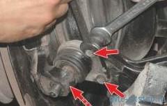 Замена шаровой опоры  передней подвески Шевроле-Нива