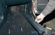 Снятие коврового покрытия пола и шумоизоляционного материала ВАЗ 2110-2112
