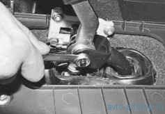 Замена втулок оси рычага переключения передач ВАЗ